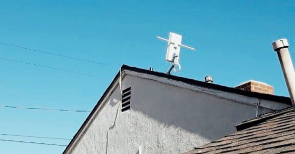 Antenna at the roof