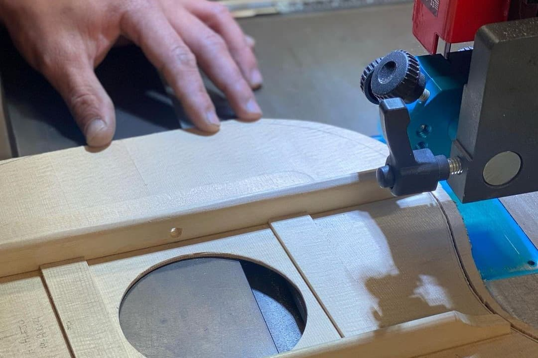 When to use a band saw?