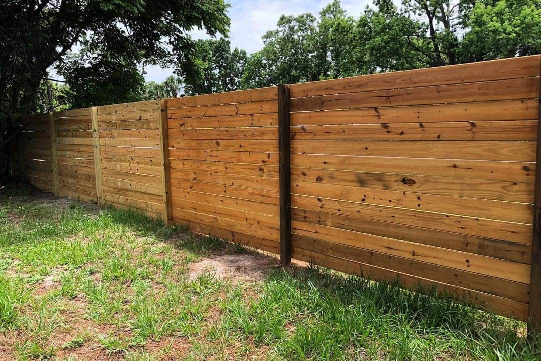 How to Seal a Wood Fence